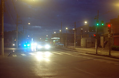 Night Street (a.ninguem) Tags: pentax k1000 film 35mm filme street ruas kodak colorplus sunny16 analog