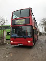 New Bear.. (kizmanbusesco) Tags: red dualdoor 5speed zf n52 exmetroline bearbuses president plaxton lk04crf b7tl volvo metroline