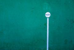 PASA (18/365) (Walimai.photo) Tags: green verde frontón frontenis pared wall pasa granjademoreruela zamora spain españa camino de santiago vía la plata lx5 lumix panasonic detail detalle