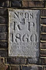 Boundary stone, Kensington (stavioni) Tags: kensington boundary parish stone marker 1860
