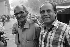 Good old friends (Rahul Gaywala) Tags: monochrome people candid street fujifilm xt2 surat vibrant diamond city flower market flowermarket