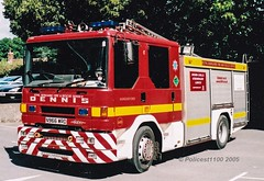 Royal Berkshire Fire & Rescue Dennis Sabre N966 WRD (policest1100) Tags: royal berkshire fire rescue dennis sabre n966 wrd