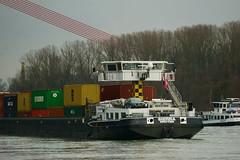 MS SIERRA (Lutz Blohm) Tags: mssierra containerschiff rhein rheinschifffahrt gütermotorschiff binnenschifffahrt binnenschiffe fluskilometer402 fe70300goss sonyalpha7aii