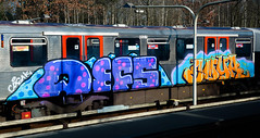 HH-Graffiti 3527 (cmdpirx) Tags: hamburg germany graffiti spray can street art hiphop reclaim your city aerosol paint colour mural piece throwup bombing painting fatcap style character chari farbe spraydose crew kru artist outline wallporn