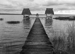 (poupette1957) Tags: lake embarcadère sea mer monochrome voyage landscape street iphone travel noirblanc guatemala