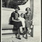Archiv FaMUC024 Münchner Familie, von Ziemssen Gedenktafel, 1920er thumbnail