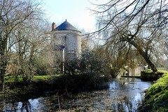 Old Lock Keepers House (Nigel Musgrove-2 million views-thank you!) Tags: lock keepers round thames severn canal house gloucestershire water park cotswolds cerney wick