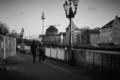 Berlin 2017 (caceiro) Tags: berlin berlim germany deustchland streetphotography street bw blackandwhite blackwhite sonyalpha sonya6000 a6000