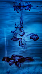 Challenge Bild Nummer 19 Drop (stevefoltinek) Tags: blue blau tropfen drop light water wasser