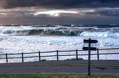 Invierno... (Leo ☮) Tags: mar sea winter invierno olas waves cielo sky nubes clouds playa beach espuma foam enero january temporal storm marina repibelo arteixo acoruña galicia