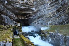 Source de la Loue, Ouhans (Doubs) (laurentbarckley) Tags: froid hiver source fall cascade chute stalactite rivière river grotte cave caverne paysage landscape nature water eau