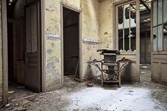 (julesbox) Tags: winter snow hdr ruine délabré vintage ancien détail sigma1020mm