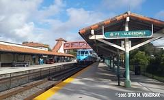 Tri-Rail, TRCX 824 at Ft. Lauderdale, Fla., 2016 (ovondrak) Tags: florida ftlauderdale trirail trcx railroad