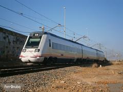 Enga que llegas tarde (FerrOnuba) Tags: tren renfe automotor diesel 598 linea zafra huelva termino trenes tarde retraso 20 minutos