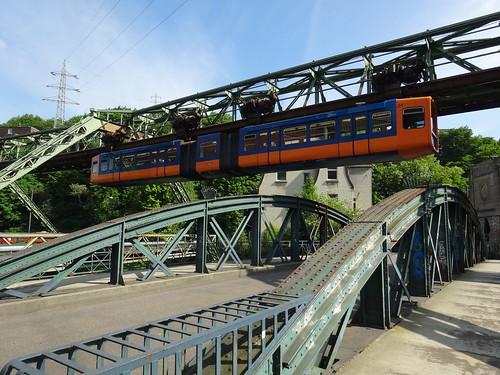 Wuppertal: Schwebebahn at Kabelstraße