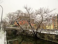 Ponte Vecchio. Naviglio Martesana. Milano (diegoavanzi) Tags: milano milan italia italy lombardia lombardy neve snow marzo march sony hx300 bridge naviglio martesana canal naviglilombardi ponte vecchio