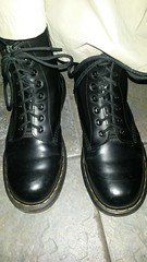 20170312_165152 (rugby#9) Tags: drmartens boots icon size 7 eyelets doc docs doctormarten martens air wair airwair bouncing soles original hole 8 lace boot docmartens dms cushion sole yellow stitching yellowstitching dr comfort cushioned wear feet dm 8hole black indoor shoe footwear