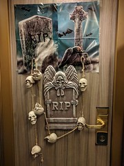 Halloween 2017 - Carnival Magic (Stabbur's Master) Tags: cruising cruise carnivalmagic carnivalcruiseline halloween halloweendecorations