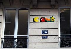 PA_1327 Space invader in Paris 10th (Sokleine) Tags: spaceinvader invader streetart street rue artderue urbanart arturbain mosaics tiles ceramics faïence wall mur paris france food alimentation nourriture vegan pacman 75010 sign numéro plaque ferronnerie ironwork windows fenêtres