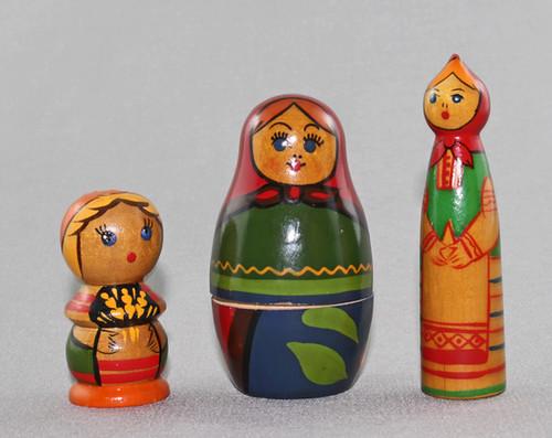 Babushka dolls 7DWF