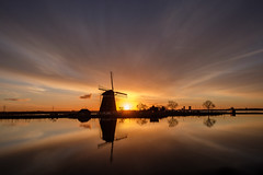 Dutch windmill :) (www.mroosfotografie.nl) Tags: mroosfotografie dutch wwwmroosfotografienl windmill golden light scenery peaceful sun clouds reflection fujifilm xt20 mirror