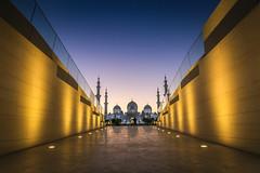 Abu Dhabi, United Arab Emirates (gstads) Tags: abudhabi uae unitedarabemirates mosque islam religion islamic muslim architecture sunset