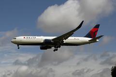 N178DZ (FabioZ2) Tags: londra atterraggio delta boeing 767332er cn30596