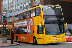 SN60 EDK, Station Street, Reading, March 21st 2017 (Southsea_Matt) Tags: sn60edk 206 route26 yellow readingbuses alexanderdennis adl enviro400 e400 reading berkshire england unitedkingdom march 2017 spring canon 80d sigma 1850mm bus omnibus vehicle passengertravel publictransport stationstreet