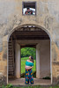 Ensaio Gestante - Rafael (carlosvicentefotografo) Tags: gestante casal ensaio fotografia book natureza rustico grama fabrica abandonado contrução sorriso filhos nenem nascer trêm cerca luz do sol amor sentimento engrenagens