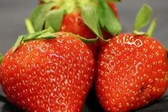 03/52: Speckled Food (DavidDMuir) Tags: macromondays speckled stawberries macro food week32018 52weeksin2018 weekstartingmondayjanuary152018 0352