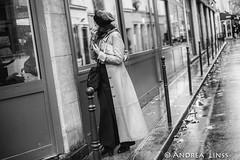 paris.... (andrealinss) Tags: frankreich france paris parisstreet schwarzweiss street streetphotography streetfotografie bw blackandwhite 35mm andrealinss