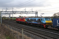 90018 and 90024 @ Chorlton Lane Nr Crewe (uksean13) Tags: 90018 90024 dbs dbschenker electric doublehead canon crewe ef28135mmf3556isusm cheshire 760d