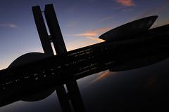Congresso Nacional (Senado Federal) Tags: institucional congressonacional alvorada aurora amanhecer nascerdosol crepúsculo esplanadadosministérios fachada externa brasília df brasil bra