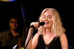 Laura Ingram, singer (Theresa Hall (teniche)) Tags: australia canberra ingram laura lauraingram lauraingrammusic nikond750 smiths smithsalternativebookshop tamron70200 teniche theresa theresahall bookshop clever concert lauralyce22 music musician singer talent talented vocal vocalist voice