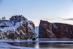 Frozen part of the ocean (Danny VB) Tags: frozen winter ice glace neige snow froid house maison rocher rock percé rocherpercé gaspésie québec canada canon 6d