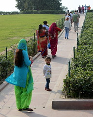 rajghat people (kexi) Tags: delhi india asia rajghat vertical people colors perspective canon february 2017 instantfave