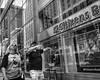 Market Street, 2017 (Alan Barr) Tags: philadelphia 2017 marketstreet marketstreeteast marketeast gesture pair reflection reflections street sp streetphotography streetphoto blackandwhite bw blackwhite mono monochrome candid city people fujifilm fuji x70