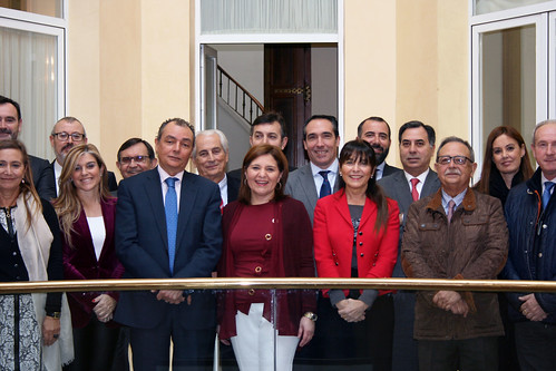 Comité Eejcutivo de CEV reunido con el grupo Popular en Les Corts