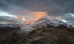 First Light on Crib Goch & Snowdon (Ffotograffiaeth Dylan Arnold Photography) Tags: eryri snowdon cribgoch snowdonia snow clouds sunrise firstlight colour red orange outdoors countryside munros snowdonianationalpark wales northwales welshtouristboard welshtourism dawn daybreak alpine nature sky cymru