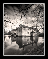 Mirrored in the moat. (Simon Heywood) Tags: moat reflection manor house baddesley clinton national trust warwickshire lee big stopper nd filter nikon d500