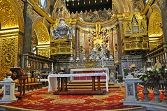 Malta 190917 53 VALLETTA (neil.28860) Tags: malta churches architecture mediterreanean valletta