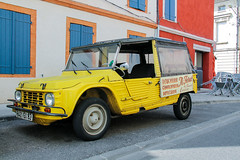 Montauban, France (Pablo Dijkstra) Tags: montauban france citroen car yellow canon rebel t3 mehari europe
