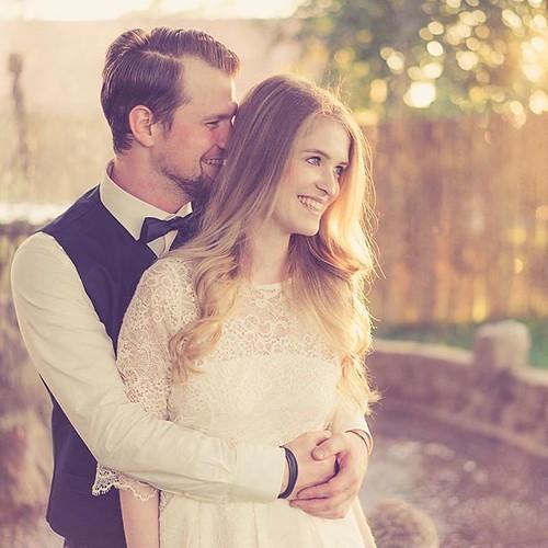"""Fürs #Paarshooting finden wir schöne Möglichkeiten ❤️ #paarshooting #wedding #hochzeit #couplegoals #scheunenhochzeit #scheune #festscheune #scheunenlocation #hochzeitsfotograf #weddingphotography #weddingphotographer #thewhitebarnberlin #lovers:hea • <a style=""""font-size:0.8em;"""" href=""""http://www.flickr.com/photos/83275921@N08/39783232391/"""" target=""""_blank"""">View on Flickr</a>"""
