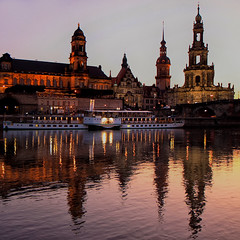 Fin de journée à Dresden (jjcordier) Tags: crépuscule dresden saxe allemagne monument elbe reflet soir