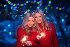 KHRD1451 (akhardin) Tags: yellow twins christmas vladivostok blue red winter girls phottixatlas canonef13520lusm canon snow forest
