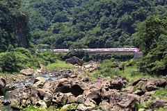 TRA, Puyuma Limited Express, TEMU2000, Yilan Line (Dustin Chuang) Tags: temu2000 tra puyuma limited express