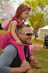 A fairy on his back (radargeek) Tags: normanmedievalfaire2017 2017 norman medievalfair april shoulderride kid child dad fairy wings sunglasses