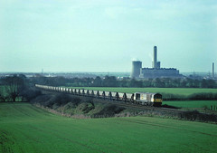 One oldie when the coal fired Didcot PS was still in full flow and seviced from the midlands.....6M09 58043 Didcot PS-Daw Mill Culham 15-02-1992 (the.chair) Tags: 6m09 58043 didcot psdaw mill culham feb 1992