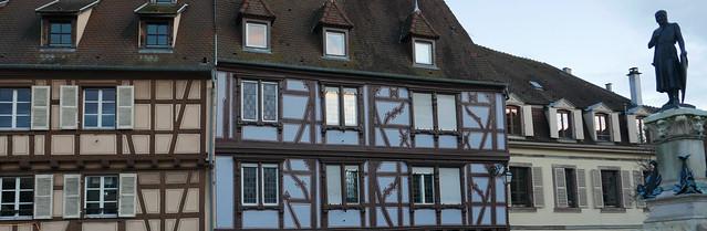Voyeur de demeure. Houses with a view.