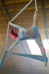 DSCF7768.jpg (RHMImages) Tags: fogmachine xt2 workshop women interior silks panopticchopsticks aerials people fuji acrobats portrait freeflowacademy action fujifilm chopstickguys gymnastics ballet